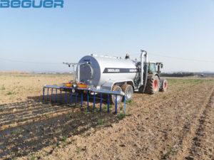 Cisterna tándem Beguer 14000 litros con aplicador de purin de 6 metros AB1-6